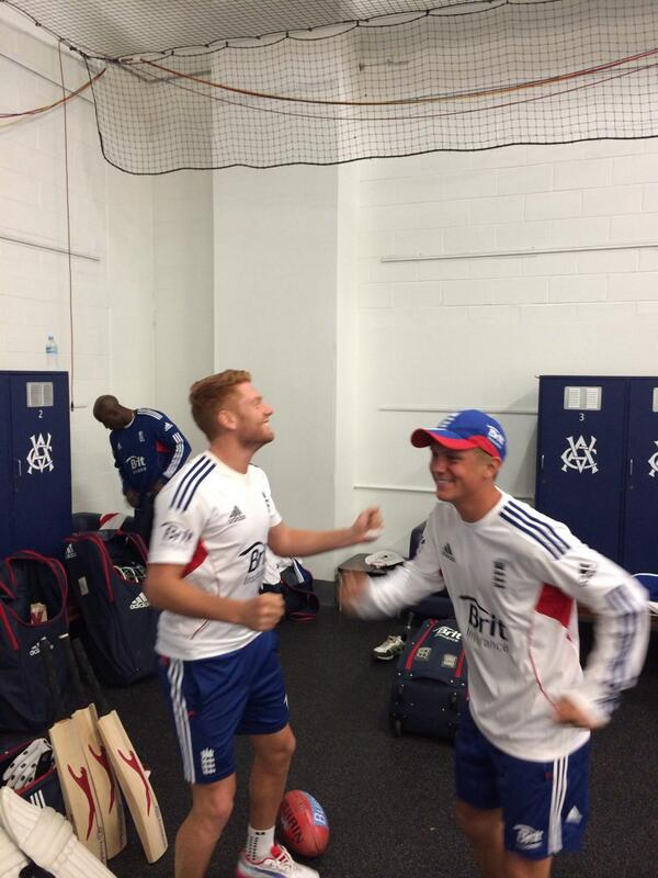 Merry Christmas morning! Dancing along to Xmas songs before training. @jbairstow21 @Borthwick16 http://t.co/Psg4KODU7e