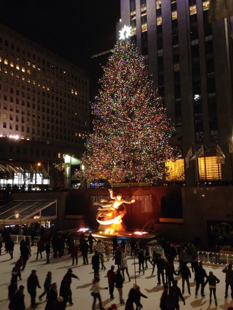 today on twitter the beautiful rockefeller center christmas tree on this christmaseve httptcort63o9s8hz