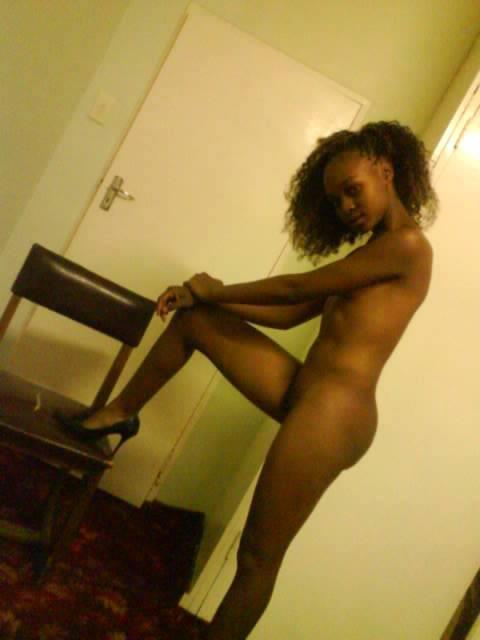 roxy louw naked