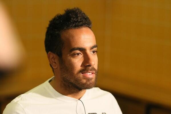 Bc J hdIcAAunNK Tom Huddlestones long wait for a haircut was done in front of a big crowd of press [Pictures]