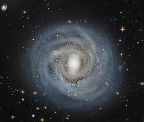 Beautiful face-on galaxies in our latest blog: http://t.co/CFsILFiAmL http://t.co/KYZ7nvUgpg