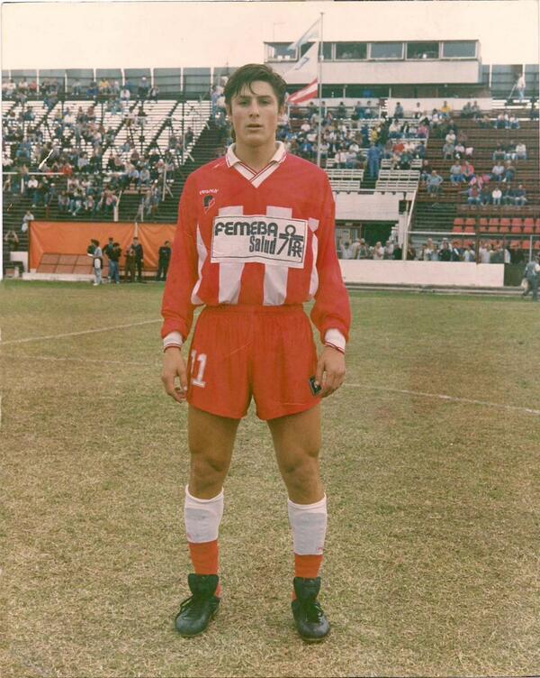 "@gabrielezanatt @massimobottura @chrifrapug @SimoneTondo ""Even when Zanetti was younger he had perfect hair, 1991/922 http://t.co/mVls8mLwRD"