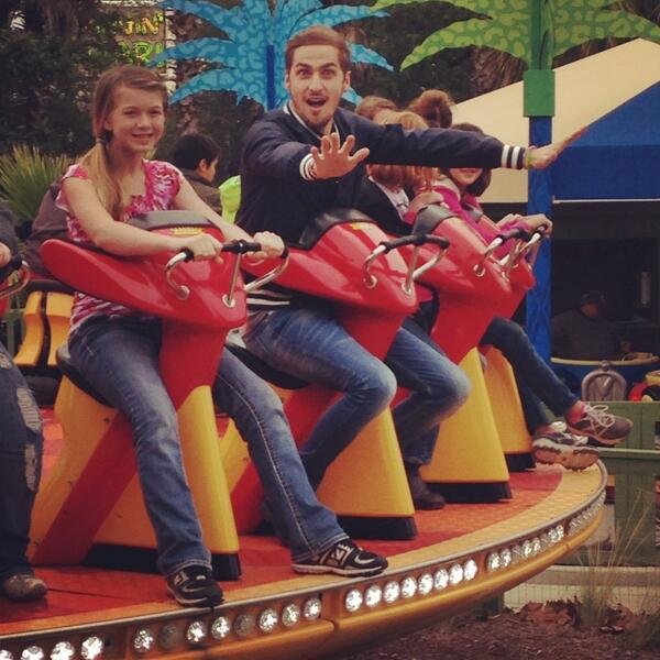 @HeffronDrive with some fans at @Wild_Adventures #HeffronDrive http://t.co/MDFtjdMthU