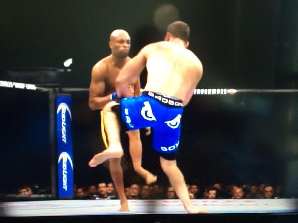 And here is another angle of the terrible broken leg suffered by Anderson Silva. #UFC168 http://t.co/kGF5qI8vKD
