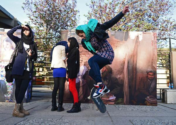 Girl skateboarding in Kabul http://t.co/ljvPOxuqDV