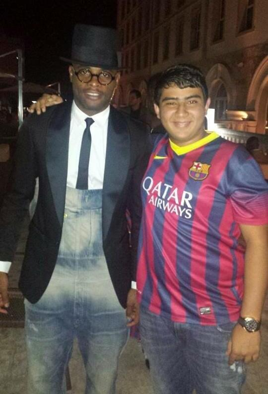 Pic: Wtf is Alex Song wearing?!