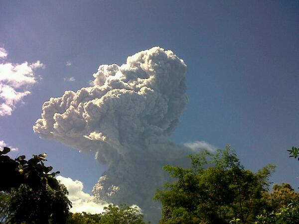 Volcán Chaparrastique (San Miguel). Vía @perez_ado http://t.co/J3qFJpR4If