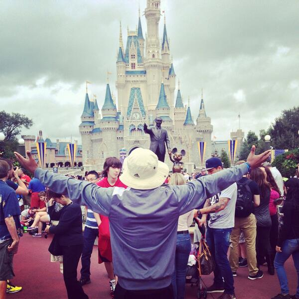 The World Is Yours 💯🌎  (Magic Kingdom) http://t.co/zuNTZ1RY5c