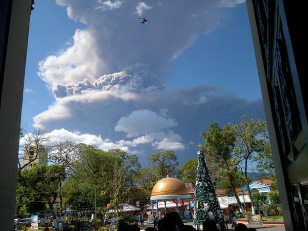 San miguel en Alerta amarilla por el volcan chaparrastique http://t.co/BRcIc1OftA