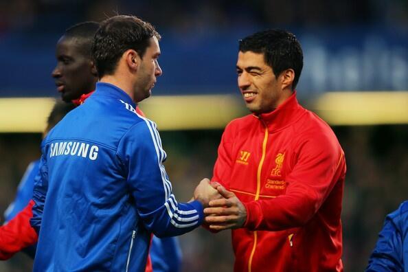 Luis Suarez gave Branislav Ivanovic a cheeky wink pre Chelsea 2   Liverpool 1 [Picture]