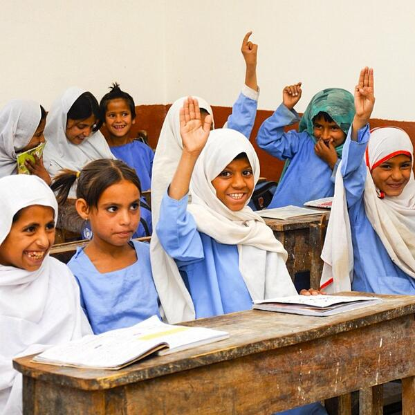 Our most liked #EqualityMonday Instagram Photo of 2013: Pakistani girls sitting in a new primary school classroom: http://t.co/zWJeBaIyII
