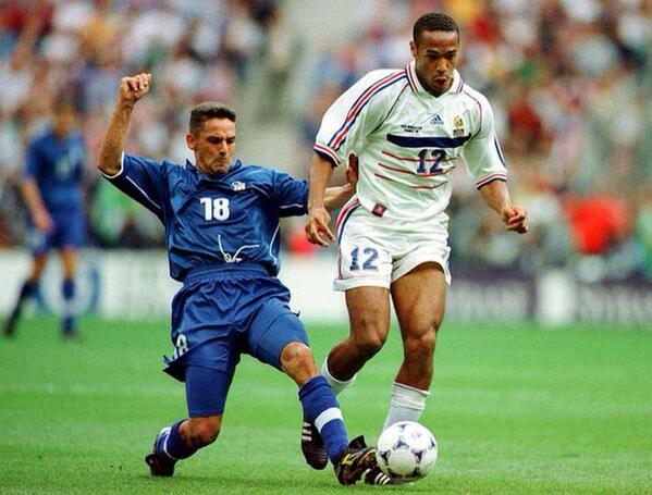 "The Antique Football on Twitter: ""Roberto Baggio and Thierry Henry ..."