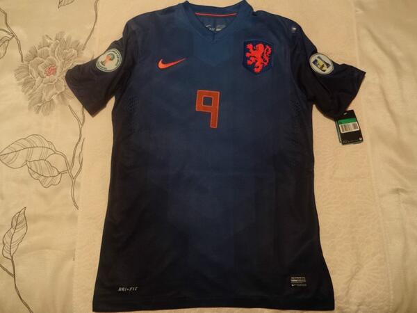 Leaked! Hollands away kit for the 2014 World Cup [picture]