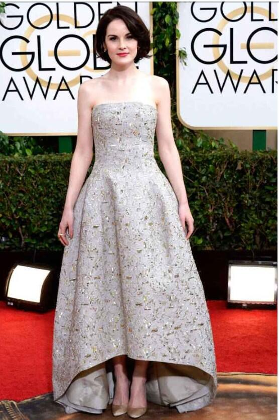 Also love this @OscarPRGirl on Michelle Dockery. #chic #glamour #GoldenGlobes #RedCarpet http://t.co/iN1k0L5SSb