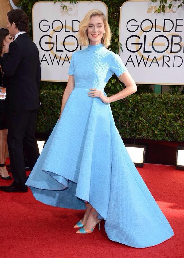 In LOVE with Caitlin FitzGerald's look. #GoldenGlobes http://t.co/sBoC0QprlG