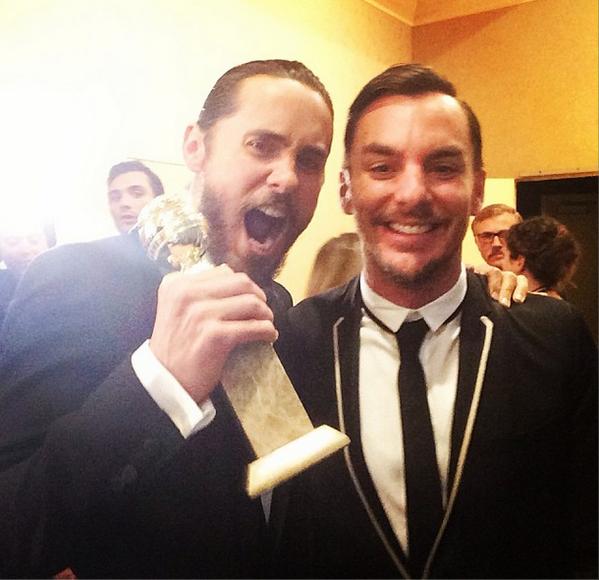 GREATEST PIC EVER!!!  @ShannonLeto @JaredLeto #GoldenGlobeForJaredLeto http://t.co/NWHuKvQPRe