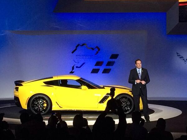 """@eBayMotors: The #Corvette Z06 has just been announced by @corvette. #NAIAS What do you think? http://t.co/gCbONQDx7N"" 625 HP!!!"