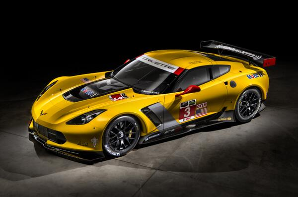 It's here. The #Corvette #C7R #Z06. Z06 - the closest link yet between Corvettes built for racing & road #IMSA #NAIAS http://t.co/6L3CuWlpHs
