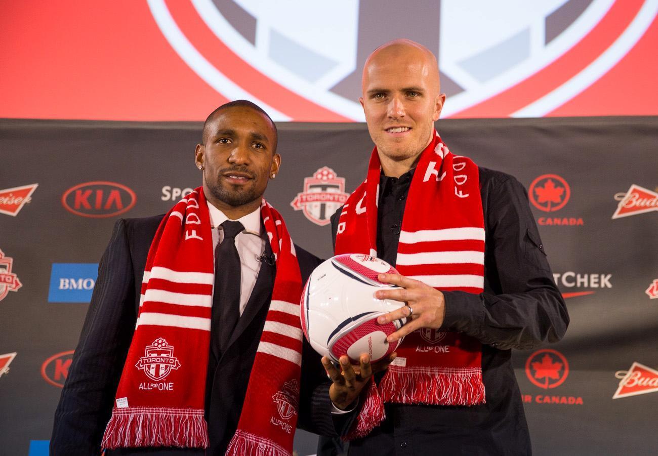Toronto - Defoe y Bradley