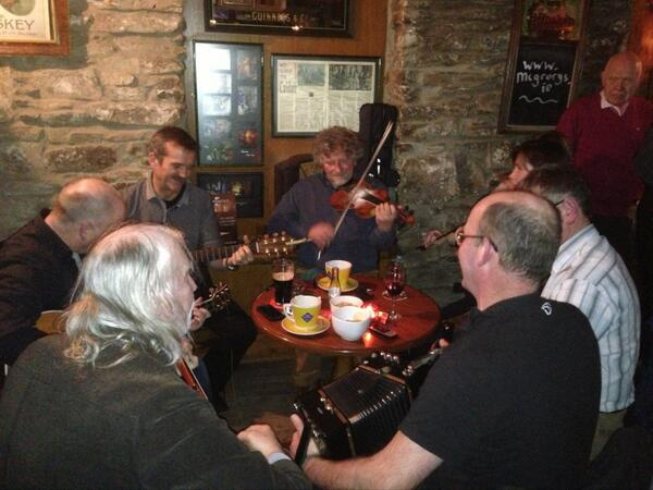 Our newly adopted astronaut @Cmdr_Hadfield Jamming with the best of #Inishowen musicians @McGrorysCuldaff http://t.co/RuEu4Y5LC9