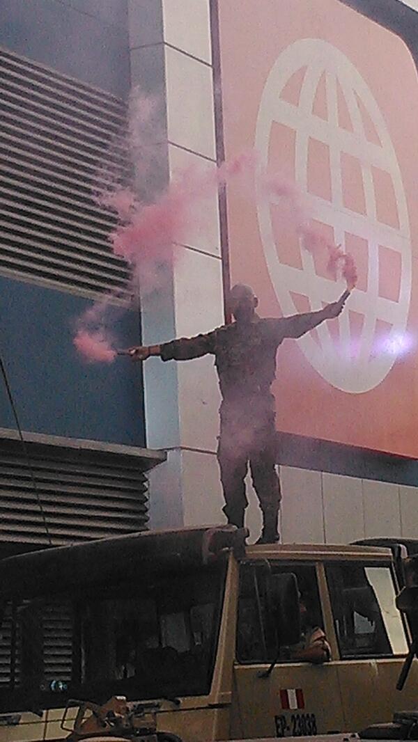 ¡ FASCINANTE !   ¡ SENSACIONAL ! Guerrer@s de Esto es Guerra serían recibidos con Fuegos Artificiales !!  [FOTO] #EEG http://t.co/BhKGhTd40r