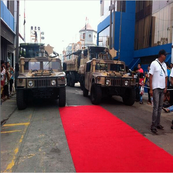 """Esto es Guerra se prepara con tanques de guerra para nueva temporada"" >>http://t.co/Hm2mG0RldV [FOTO]#EEG http://t.co/9ebMbgkAQC"