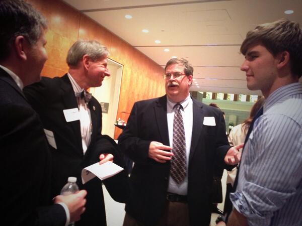 MESA Director Prillaman sharing the @AHS_MESA story w/Delegate Steve Landes #ACPSScience http://t.co/jbBsckdBB2