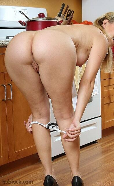 naked kitchen smile pussy