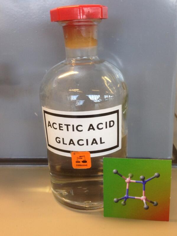 mmmm gotta love the smell if acetic acid in the morning #che2c32 #realtimechem #phonarchem http://t.co/iu7pCtL6Y7