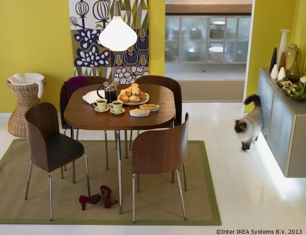 Scaune Living Ikea.Ikea Romania On Twitter Cand Scaunele Sunt Impinse Inăuntru Masa