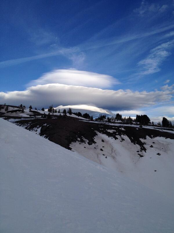 Outstanding cloud formation up at Mt. Hood today while snowshoeing for @EverGreenEscape! #oregon #ttot http://t.co/GlPRG0UbyR
