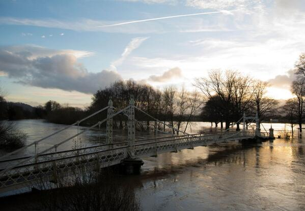 One from #hereford today as the River Wye peaked. http://t.co/yxdwEx7M7M