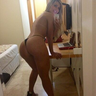 Nakedwomen hot vedios with men
