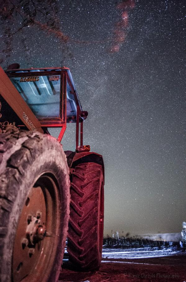 Milky Way from Mirpur Sakro in rural Sindh, Pakistan http://t.co/9OoXUNOTSn cc @VirtualAstro @ProfBrianCox @Astroguyz