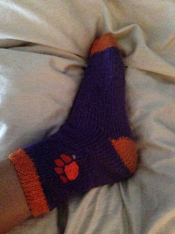Getting ready for the game tonight!! #Clemson #OrangeBowl #TigersPawBuckeyes http://t.co/ZNkrLLD9M7