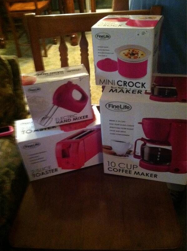 Presents! I got a bunch of pink gadgets for my future kitchen. #love http://t.co/NBSn2W7I1h