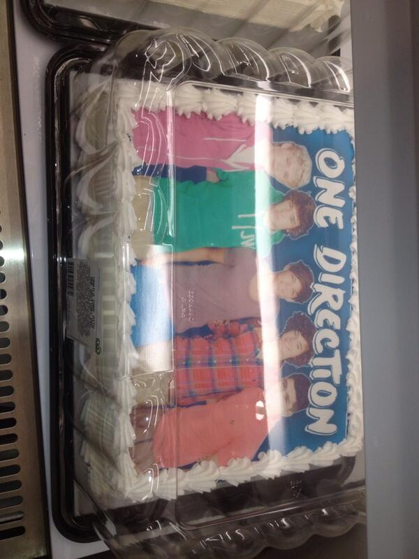 RealUpdates1D on Twitter One Direction birthday cake at