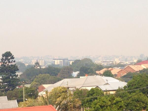 #Brisbane under smoke... http://t.co/VxzqGa8yj3