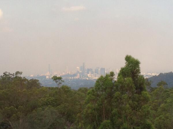 Smoke haze is building over Brisbane again. The latest QFES statement - https://t.co/Kp6cHYxkoI  @7NewsBrisbane http://t.co/OfqLOVnLqf