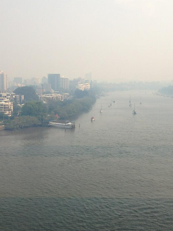Smoke in #brisbane http://t.co/gjHg4avCcu