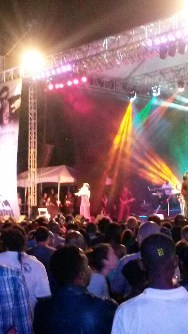 @Tessanne on stage #TeamShaggy4Kids http://t.co/2cYybzAv8U