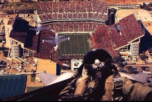 Fan van #selfie? Probeer deze briljante selfie maar eens te overtreffen! #SportAm (via @FEngagement) http://t.co/huGv8pE1TU