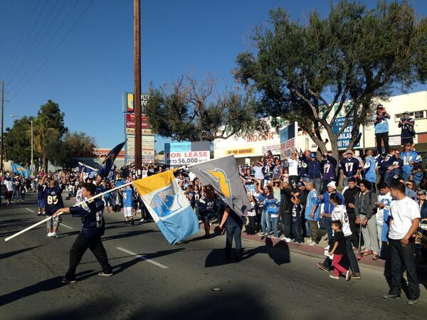 HAPPENING NOW: @chargers fans celebrating in National City after a 27-10 win against the Bengals! #SDvsCIN http://t.co/I6KbBKZnD0