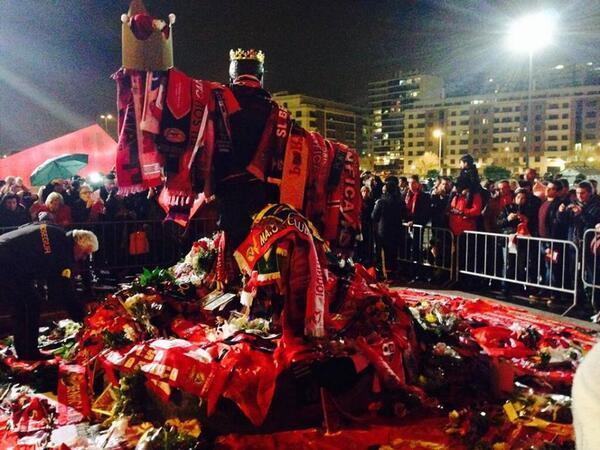 В Лиссабоне почтили память Эйсебио - изображение 1