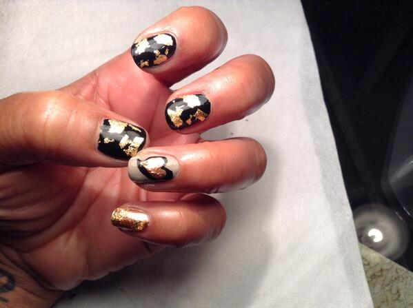 Rose gold hearts, nude and black. Some of my favs. #foil #laqueraddict