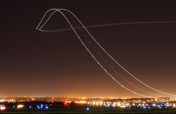 ok. this is the neatest thing i've seen in a bit. RT @Know: Long exposure of a Boeing 757 taking off http://t.co/7FrY8N0EOD