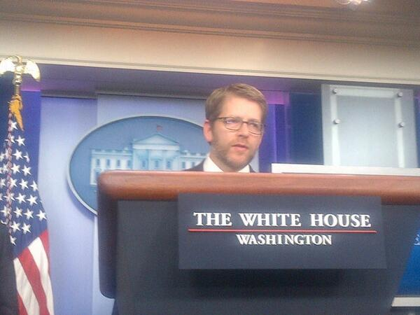 Jay Carney with a full beard at the first WH briefing of 2014. No Edward Snowden jokes. http://t.co/KjZ0XpIm0s
