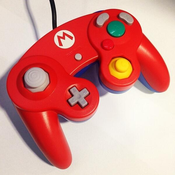 I won this beauty in a caption competition! thanks @nintendolife #gamecubeforever #lifesabeach http://t.co/jnnaS4fGwX