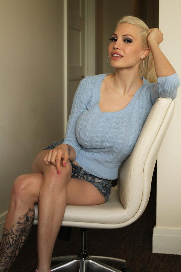 Bella French  - Sorry for be twitter @bellafrench69 naughty,camgirl