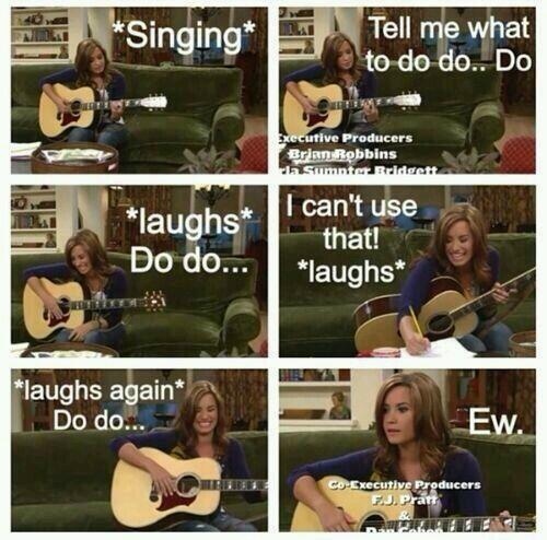 """""""@shortlavender: Do you think that she writes songs in real life like this?  Lovatics #musicfans #PeoplesChoice http://t.co/MHN8szb0r6""""probs"""